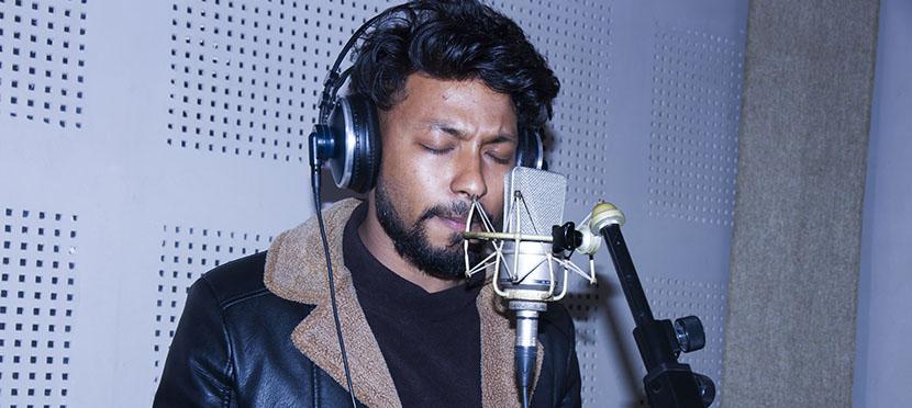 बिक्रम बरालले स्वरमा 'प्रसाद'को गीत रेकर्ड