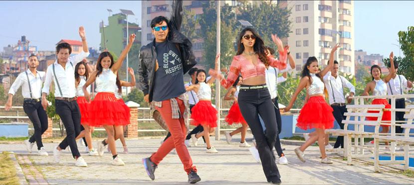'साङ्लो'को दोस्रो गीत 'झ्याम्मै आँखा झ्याम्मै'